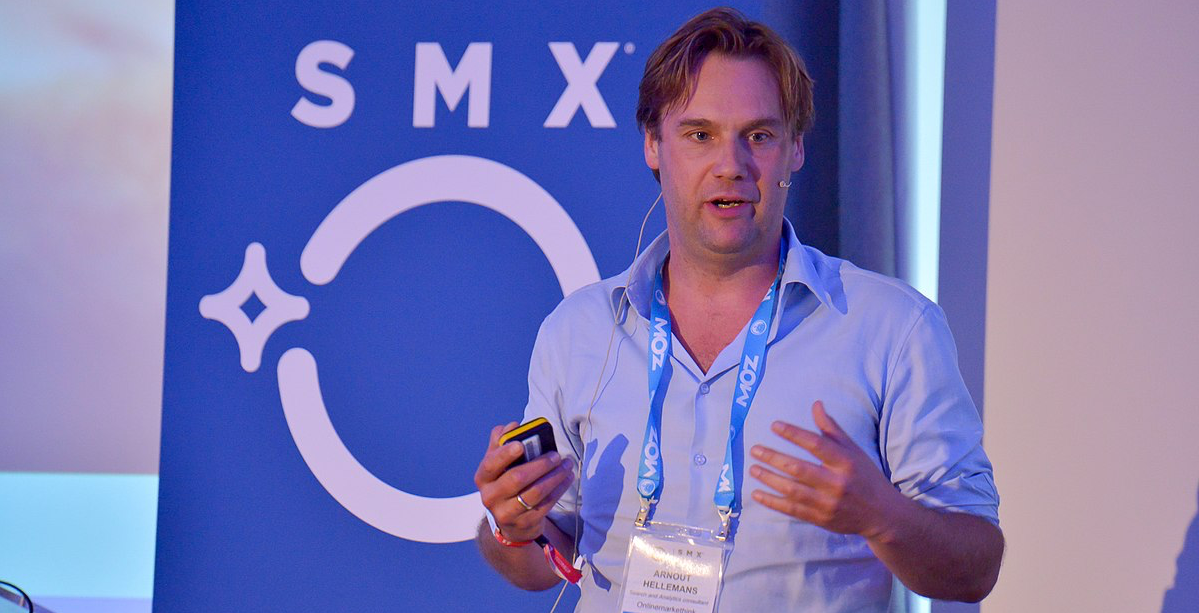 1200px-Arnout_Hellemans_speaking_at_SMX_London